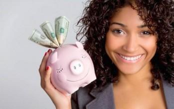 الزوجة التي تدخر المال سرًا.. هل يقدّرها زوجها أم يفقد ثقته بها؟
